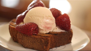 Grilled Pound Cake w/ Roasted Strawberries