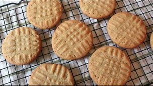 Thumbnail image for Classic Peanut Butter Cookies Recipe