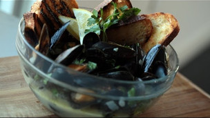 Thumbnail image for Delicious Garlic Steamed Mussels