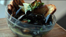 Delicious Garlic Steamed Mussels