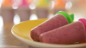 Thumbnail image for Fresh Berry Frozen Yogurt Pops