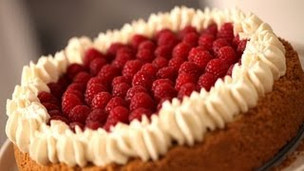 Thumbnail image for Easy Raspberry Cream Fraiche Cheesecake