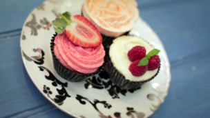 Thumbnail image for Cupcakes Decorated 3 Ways