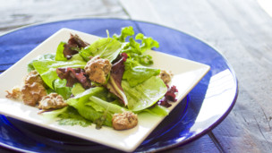 Candied Walnut Salad