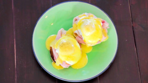 Eggs Benedict & Hollandaise