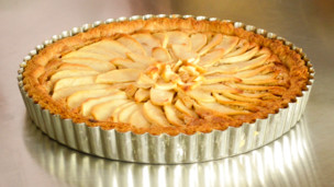Toasted Almond Apple Tart