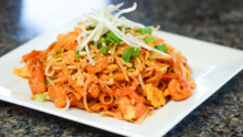 Shrimp Pad Thai with Eggs