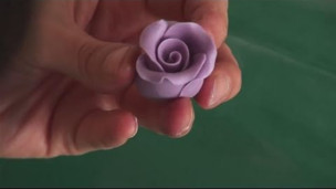 Thumbnail image for Fondant - How To Make Roses