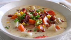 Easy Delicious Chicken Corn Chowder