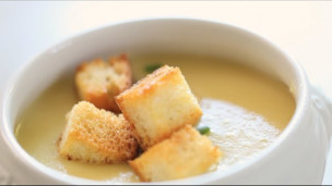 Easy Potato and Leek Soup with Garlic Croutons
