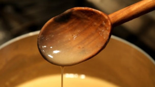 Thumbnail image for Thanksgiving Recipes: How to Make Simple Gravy