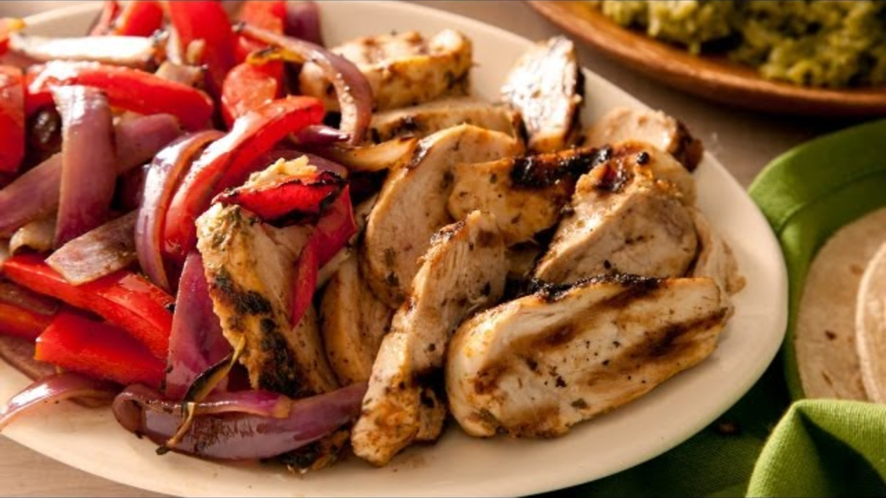 Easy Chicken Fajitas Cooking Videos Grokker