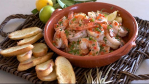 Spicy Shrimp Scampi with Crostini