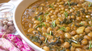 Italian Bean and Vegetable Stew: Minestra di Fagioli Borlotti