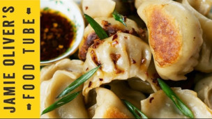 Chinese New Year Potsticker Dumplings 煎餃