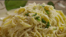 How to Make Alfredo Sauce