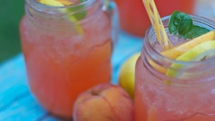 Thumbnail image for Fresh Peach Lemonade: Mother's Day Brunch