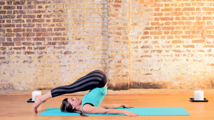 Thumbnail image for Unwind Bedtime Yoga
