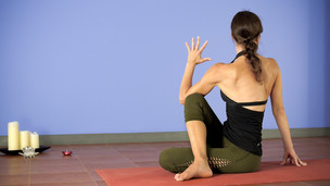 Thumbnail image for 30-minute Vinyasa Flow
